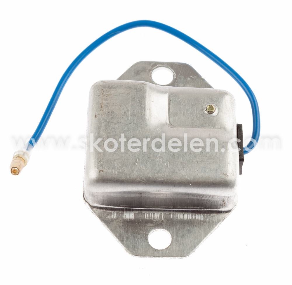 https://www.skoterdelen.com/pub_images/original/01-154-32-voltregulator-yamaha-skoterdelen-2_15977.jpg